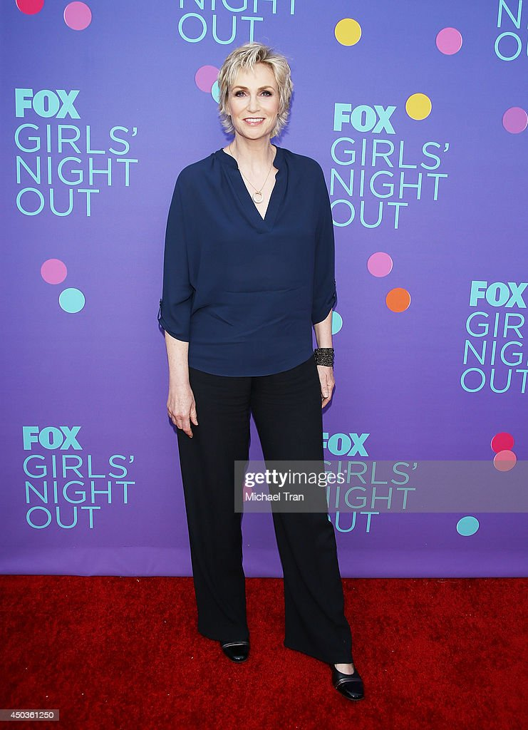 <a gi-track='captionPersonalityLinkClicked' href=/galleries/search?phrase=Jane+Lynch&family=editorial&specificpeople=663918 ng-click='$event.stopPropagation()'>Jane Lynch</a> arrives at Fox's 'Girls Night Out' held at Leonard H. Goldenson Theatre on June 9, 2014 in North Hollywood, California.