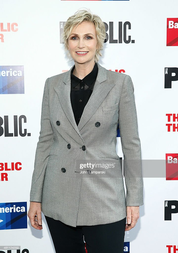 <a gi-track='captionPersonalityLinkClicked' href=/galleries/search?phrase=Jane+Lynch&family=editorial&specificpeople=663918 ng-click='$event.stopPropagation()'>Jane Lynch</a> attends the Public Theater's 2014 Gala celebrating 'One Thrilling Combination' on June 23, 2014 in New York, United States.