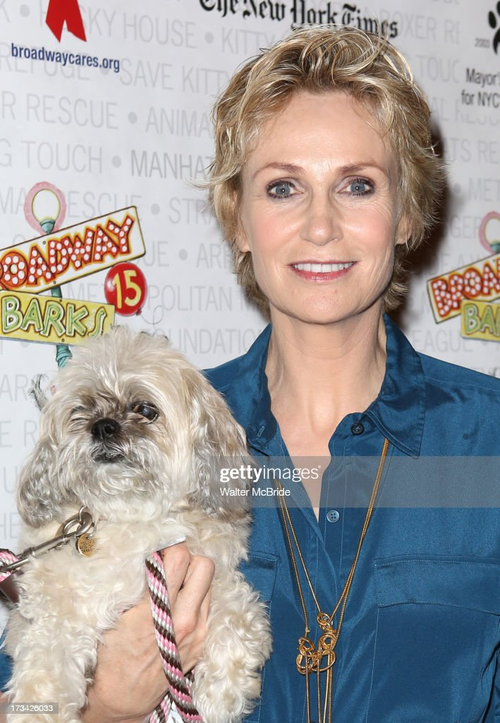 <a gi-track='captionPersonalityLinkClicked' href=/galleries/search?phrase=Jane+Lynch&family=editorial&specificpeople=663918 ng-click='$event.stopPropagation()'>Jane Lynch</a> backstage during Broadway Barks 15 in Shubert Alley on July 13, 2013 in New York City.