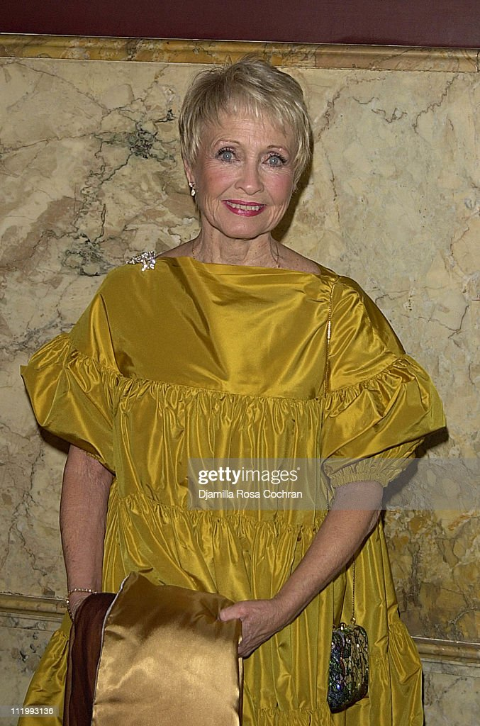 <a gi-track='captionPersonalityLinkClicked' href=/galleries/search?phrase=Jane+Powell&family=editorial&specificpeople=217720 ng-click='$event.stopPropagation()'>Jane Powell</a> during New York Oscar Night Party at Le Cirque 2000 in New York City, New York, United States.