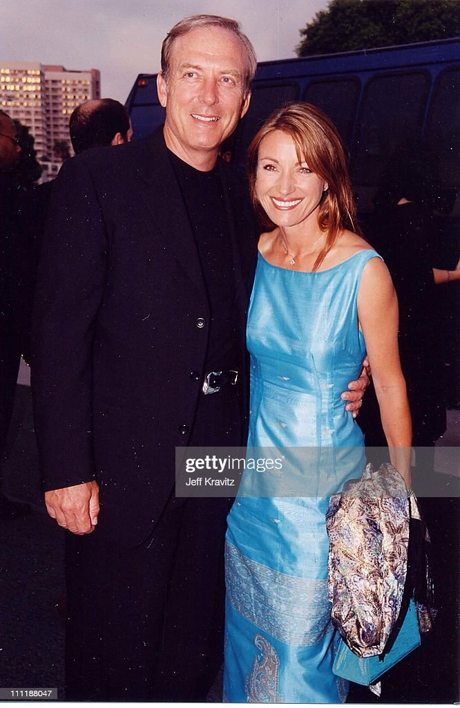 Jane Seymour & James Keach at the 1998 premiere of Saving Private Ryan in Westwood.