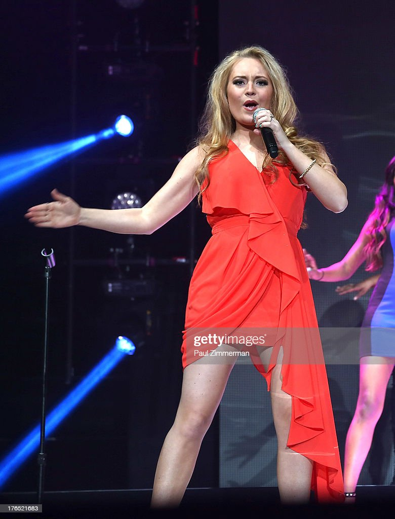Janelle Arthur performs during American Idol Live! 2013 at Prudential Center on August 14, 2013 in Newark, New Jersey.