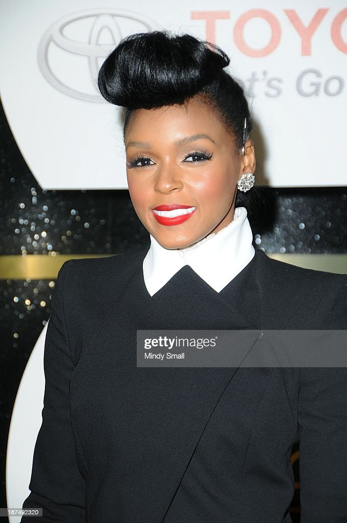 <a gi-track='captionPersonalityLinkClicked' href=/galleries/search?phrase=Janelle+Monae&family=editorial&specificpeople=715847 ng-click='$event.stopPropagation()'>Janelle Monae</a> arrives at the Soul Train Awards 2013 at the Orleans Hotel & Casino on November 8, 2013 in Las Vegas, Nevada.