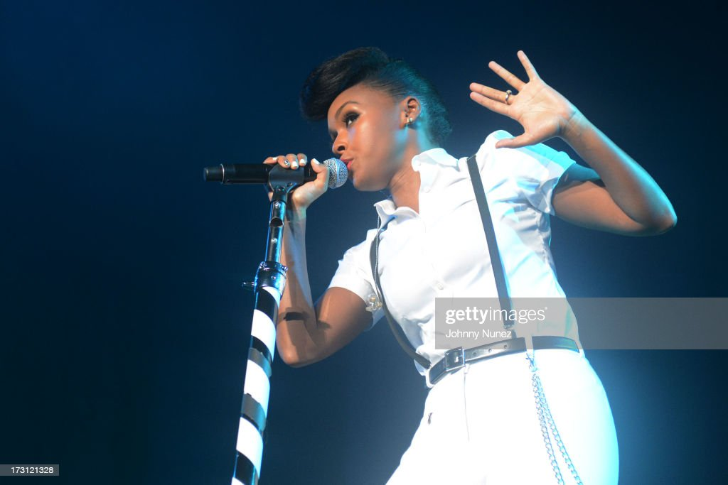 <a gi-track='captionPersonalityLinkClicked' href=/galleries/search?phrase=Janelle+Monae&family=editorial&specificpeople=715847 ng-click='$event.stopPropagation()'>Janelle Monae</a> performs during the 2013 Essence Festival at the Mercedes-Benz Superdome on July 7, 2013 in New Orleans, Louisiana.