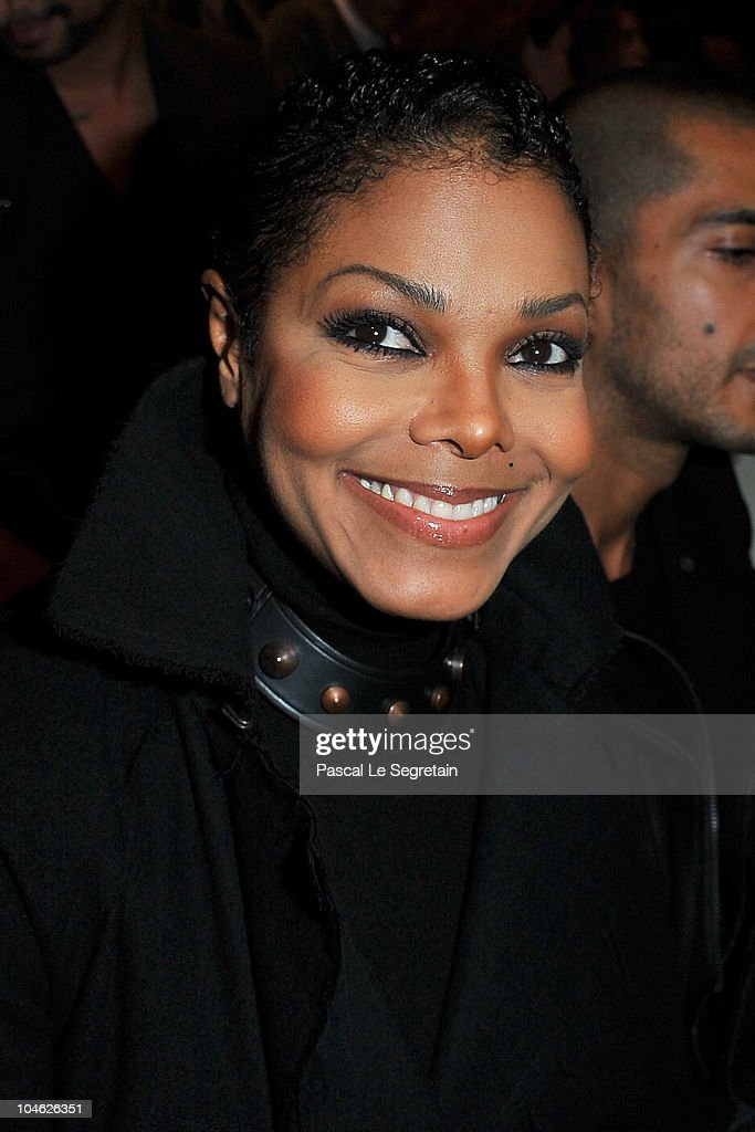 Janet Jackson arrives for the Lanvin Ready to Wear Spring/Summer 2011 show during Paris Fashion Week at Halle Freyssinet on October 1, 2010 in Paris, France.