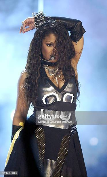 Janet Jackson performs 'All Night ' and 'RB Junkie'