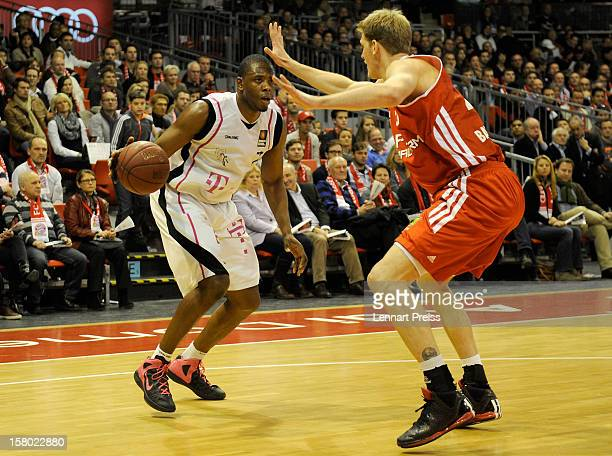 JanHendrik Jagla of Muenchen blocks Patrick Ewing Jr of Bonn during the Beko Basketball match between FC Bayern Muenchen and Telekom Baskets Bonn at...