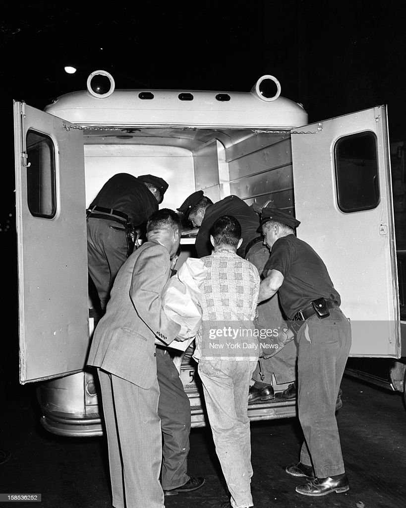Janice Wylie body being removed from murder scene.