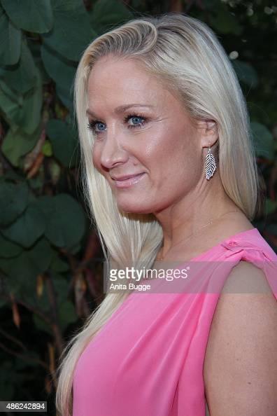 Janine Kunze Nude Photos 43