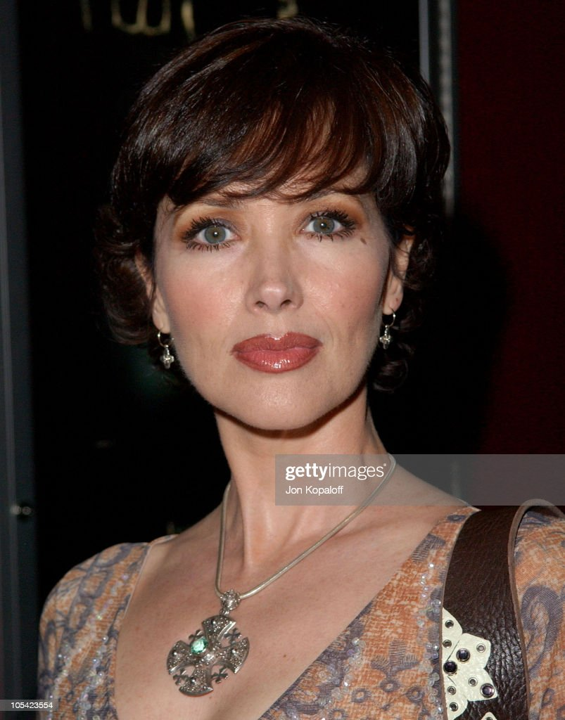 Janine Turner Nude Photos 14