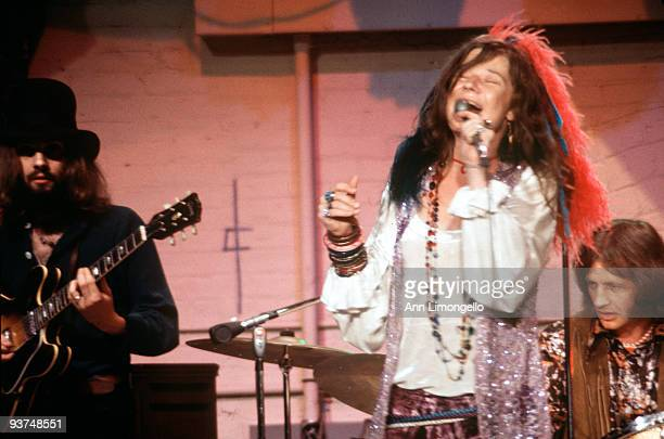 SHOW 8/5/70 Janis Joplin in performance