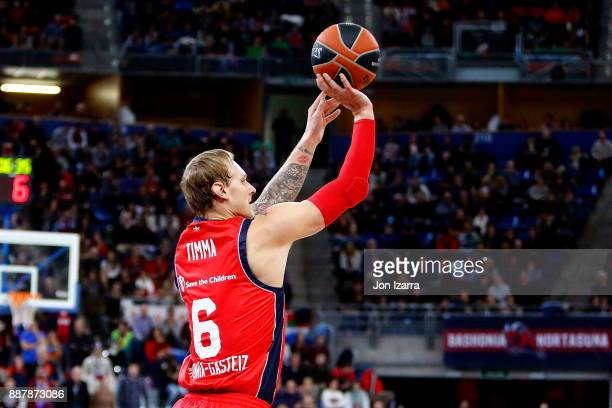 Janis Timma #6 of Baskonia Vitoria Gasteiz in action during the 2017/2018 Turkish Airlines EuroLeague Regular Season Round 11 game between Baskonia...