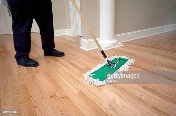 Janitor Staub wischen Holzboden