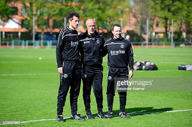 JanMoritz Lichte Michael Frontzeck and Steven Cherundolo are seen at a training session at HDIArena on April 21 2015 in Hanover Germany Frontzeck...
