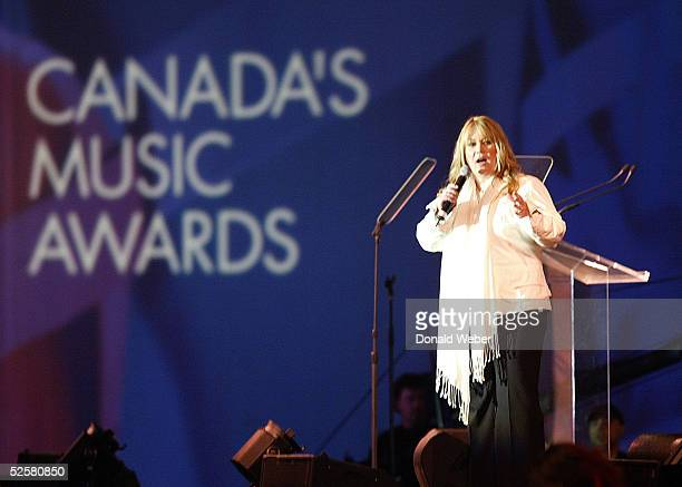 Jann Arden delivers an opening speech during the Juno Awards Dinner and Gala on April 2 2005 in Winnipeg Canada The Juno Awards are awarded to...