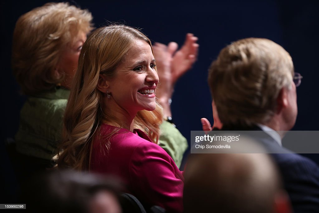 <a gi-track='captionPersonalityLinkClicked' href=/galleries/search?phrase=Janna+Ryan&family=editorial&specificpeople=9632767 ng-click='$event.stopPropagation()'>Janna Ryan</a> arrives prior to the vice presidential debate at Centre College October 11, 2012 in Danville, Kentucky. This is the second of four debates during the presidential election season and the only debate between the vice presidential candidates before the closely-contested election November 6.