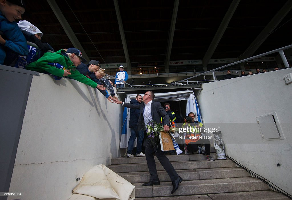 Janne Andersson, head coach of IFK Norrkoping is being celebrates as he is leaving his job to become the head coach for the national team during the Allsvenskan match between IFK Norrkoping and IF Elfsborg at Ostgotaporten on May 29, 2016 in Norrkoping, Sweden.