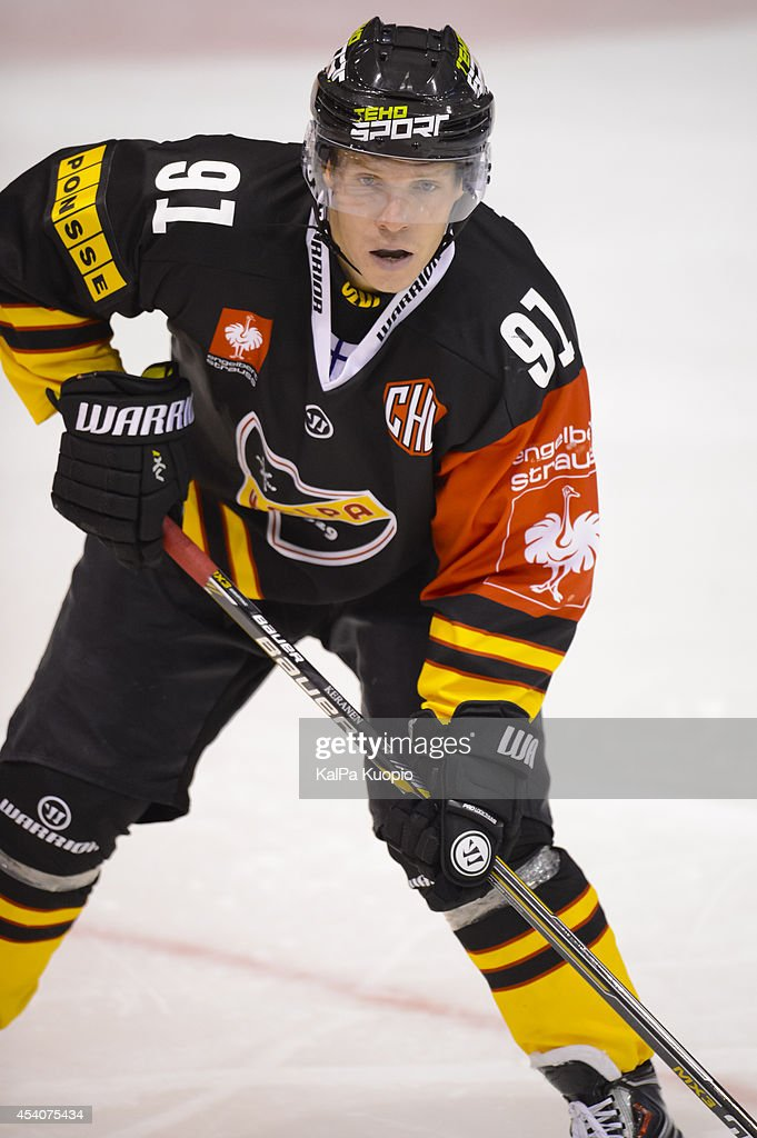 Janne Keränen #91 of KalPa Kuopio waiting for the puck during the Champions Hockey League group stage game between KalPa Kuopio and Adler Mannheim on August 24, 2014 in in Kuopio, Finland.