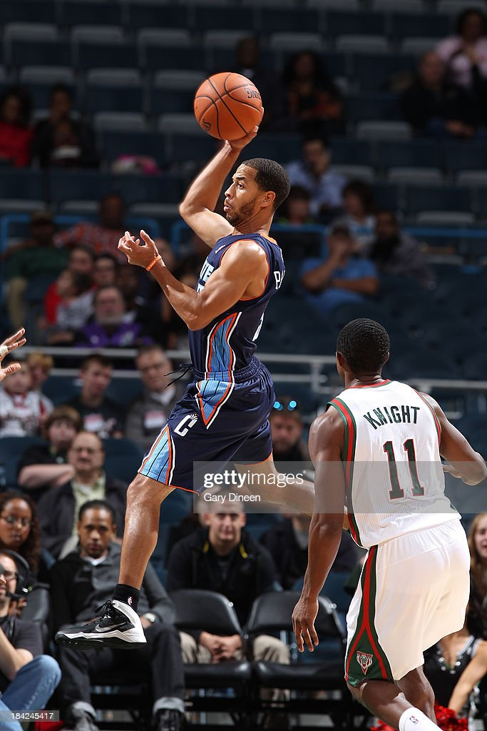 Charlotte Bobcats v Milwaukee Bucks