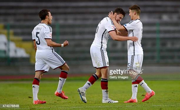 JanniLuca Serra of Germany U17 celebrates after scoring against Russia U17 during the UEFA European Under17 Championship Semi Final match between...