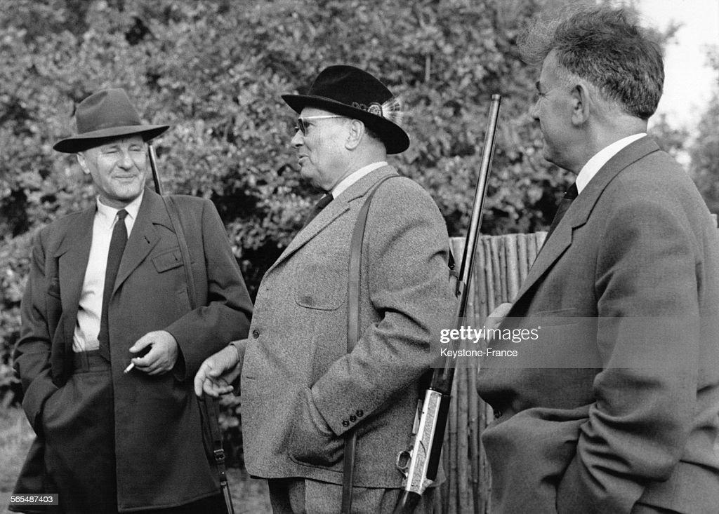 Janos Kadar et Tito photographiés lors d'une partie de chasse en Yougoslavie le 13 septembre 1963.