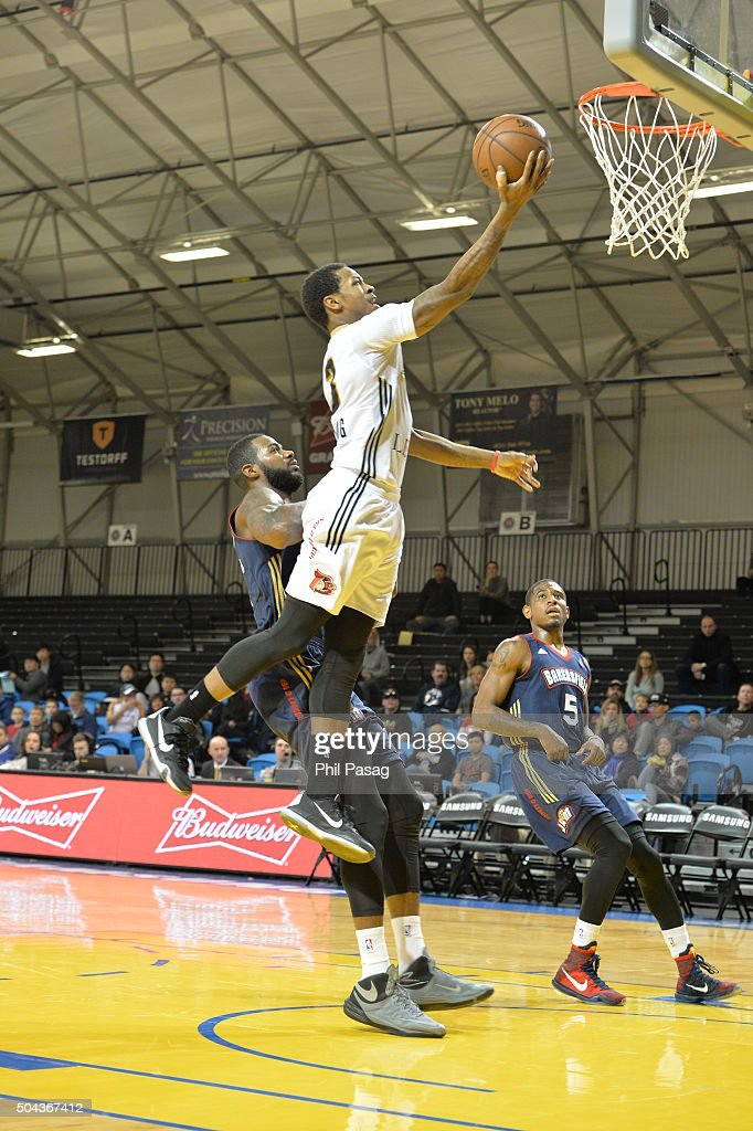 Keith Appling of the Erie BayHawks with the layup against Bakersfield Jam at the Kaiser Permanente Arena in Santa Cruz California NOTE TO USER User...