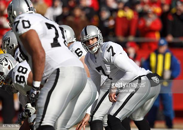 Oakland Raiders quarterback Kyle Boller under center during the Raiders 3110 victory over the Kansas City Chiefs at Arrowhead Stadium in Kansas City...