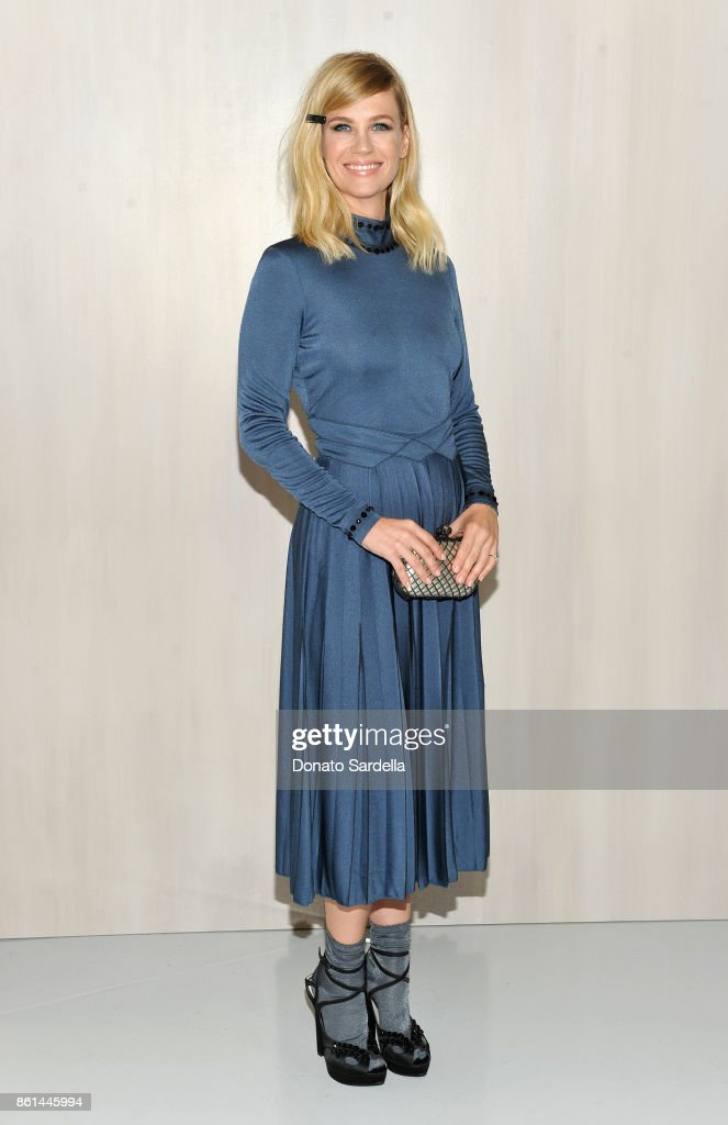 January Jones, wearing Bottega Veneta, at the Hammer Museum 15th Annual Gala in the Garden with Generous Support from Bottega Veneta on October 14, 2017 in Los Angeles, California.