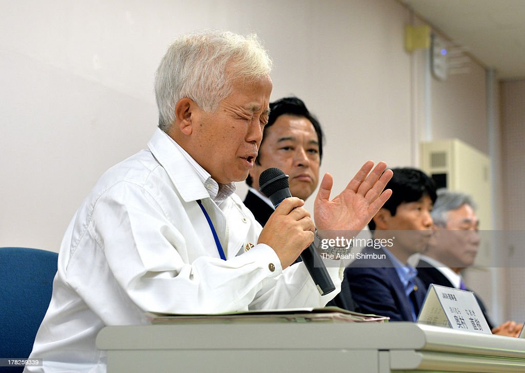 Japan Aerospace Exploration Agency (JAXA) President Naoki Okumura speaks at a press conference after failing their Epsilon Vehicle (Epsilon-1) launch at the JAXA Uchinoura Space Center on August 27, 2013 in Kimotsuki, Kagoshima, Japan. JAXA postponed 19 seconds before the launch, let down 10,000 suectators. JAXA is planning to relaunch after detecting the cause of the irregularity.