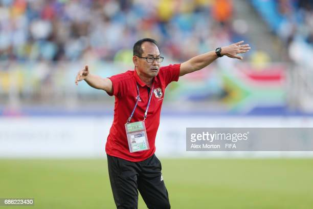 Japan coach Atushi Uchiyama during the FIFA U20 World Cup Korea Republic 2017 group D match between South Africa and Japan at Suwon World Cup Stadium...