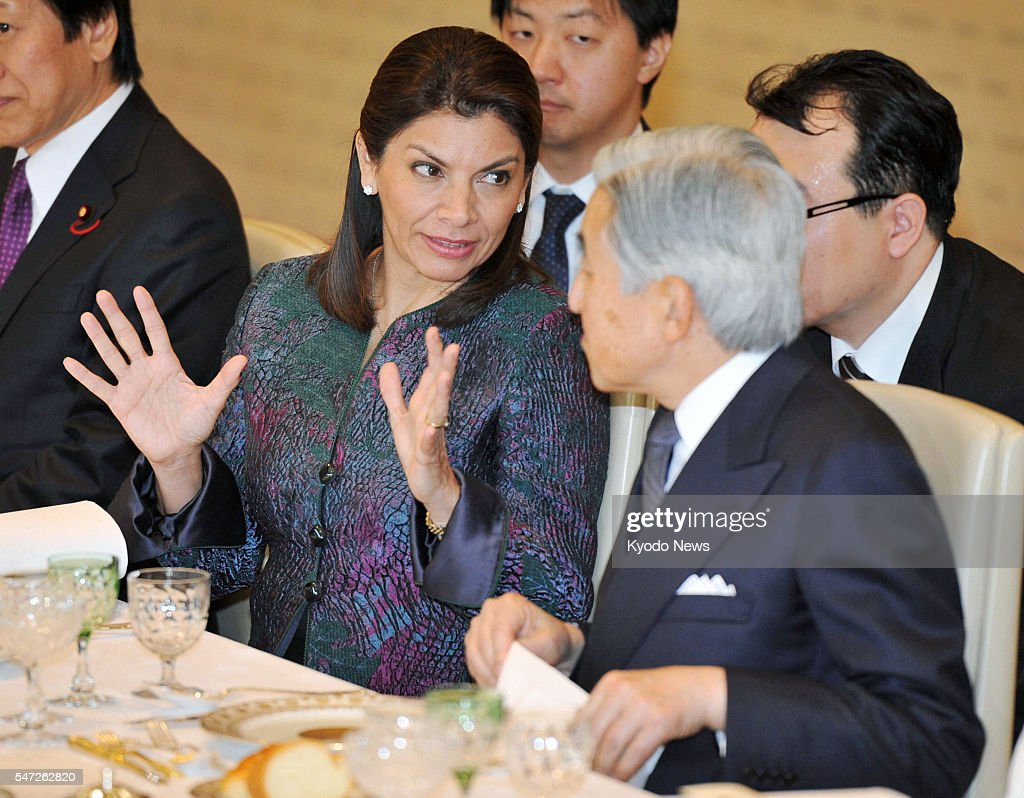 TOKYO Japan Costa Rican President Laura Chinchilla and Japanese Emperor Akihito chat during a luncheon at the Imperial Palace in Tokyo on Dec 8 2011