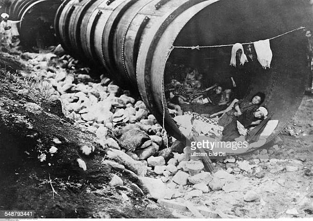 Great Kanto Earthquake 1923 People taking refuge in sewers near Yokohama Vintage property of ullstein bild