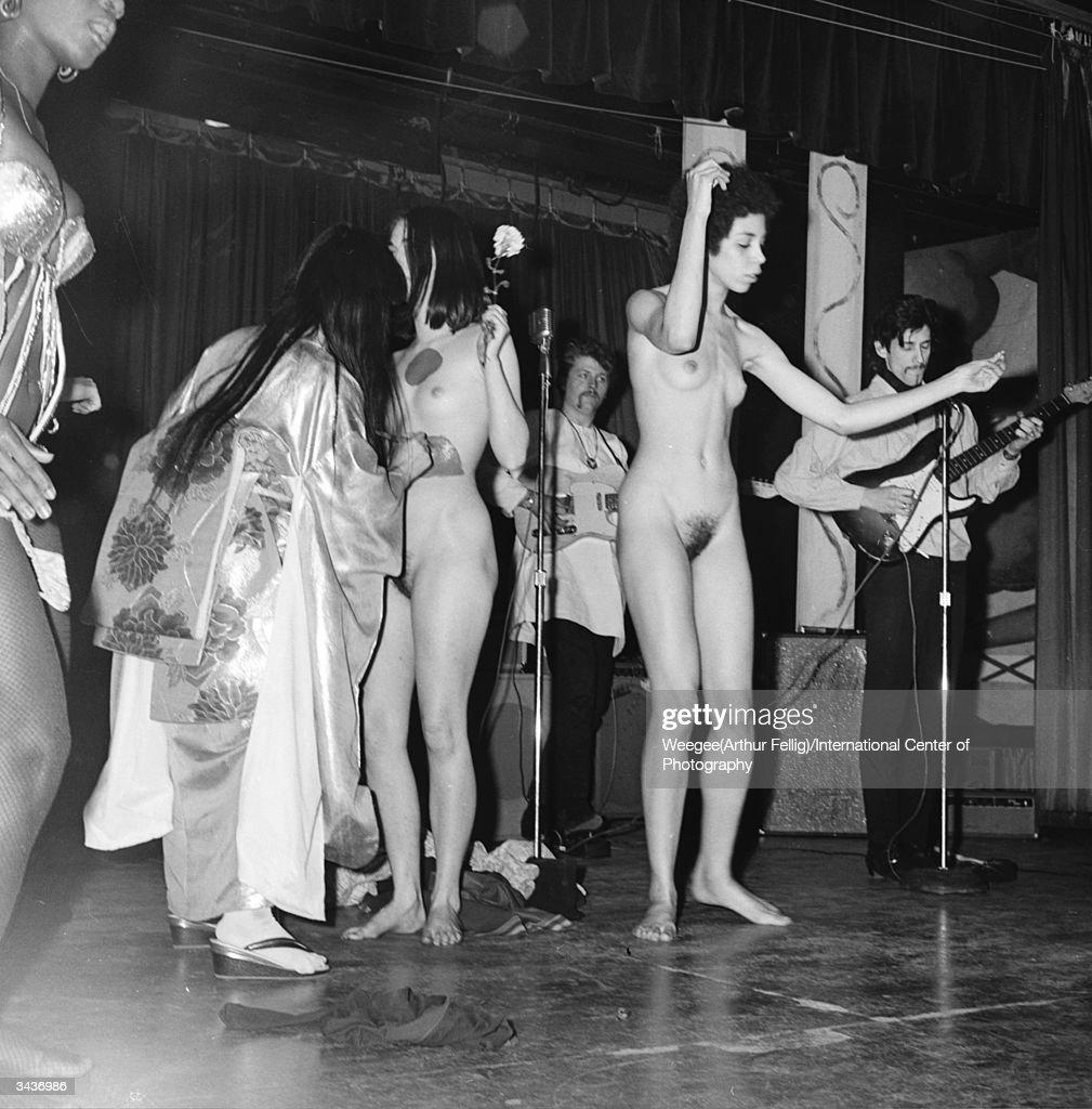 Just naked womans band smoking