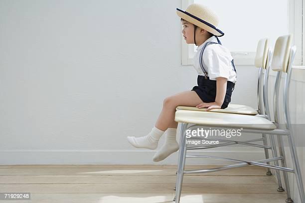 boy wearing uniforme escolar japonés