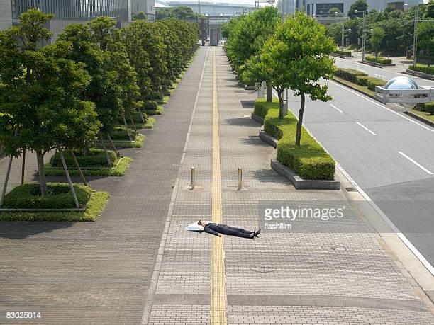 日本の bussines 女性のストリートのベッド