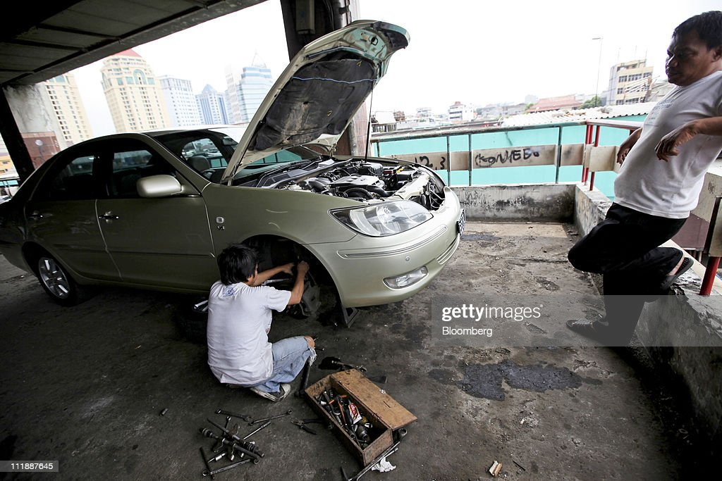 japanese auto industry Japan automobile industry global business environment japan automobile  industry presented by:- bhanu negi institute of technology.