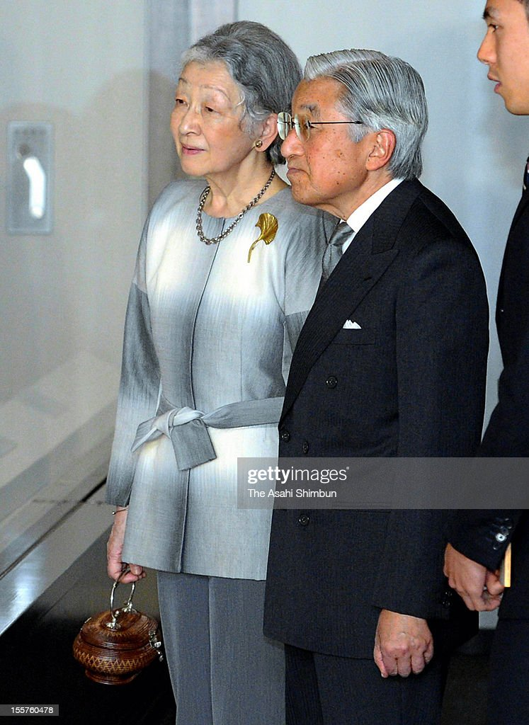 Japanese Emperor Akihito and <a gi-track='captionPersonalityLinkClicked' href=/galleries/search?phrase=Empress+Michiko&family=editorial&specificpeople=158725 ng-click='$event.stopPropagation()'>Empress Michiko</a> are seen at Museum of the Imperial Collections, exploring the exhibition of traditional paintings from the Maruyama school on November 7, 2012 in Tokyo, Japan.