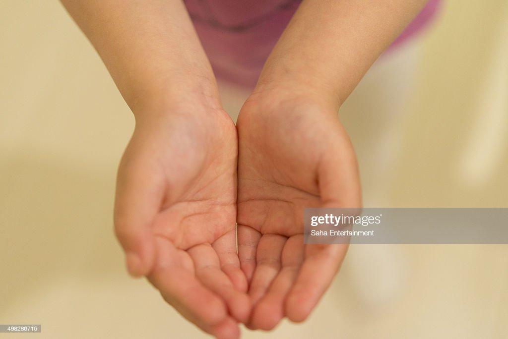 Japanese girl open hands