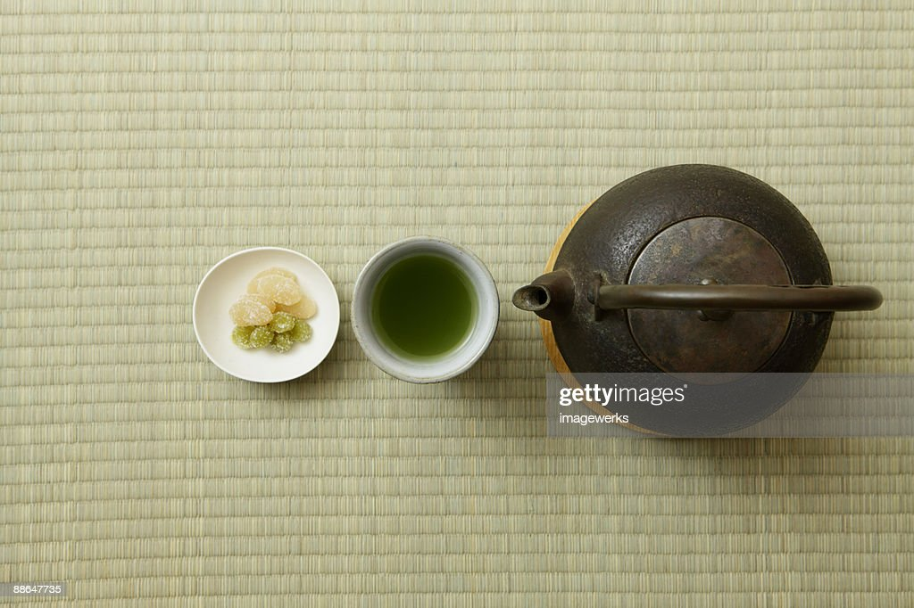 Japanese green tea with kettle on tatami, close-up  : Stock Photo