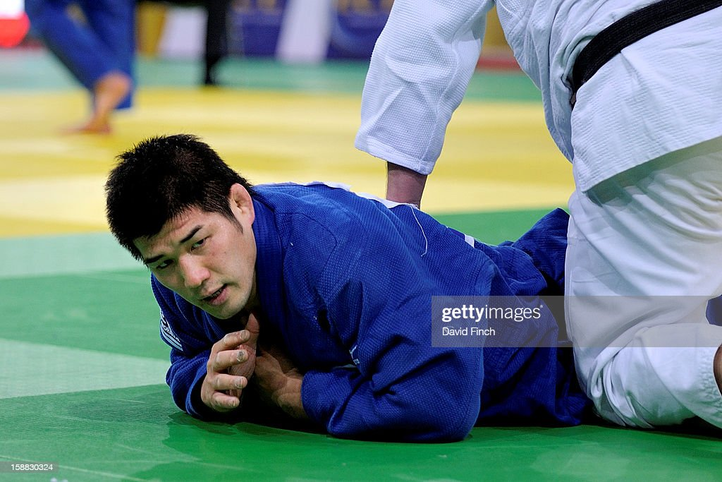 Japanese hero, three times World champion and Sydney Olympic champion, Kosei Inoue (blue), reached the heavyweight semi-final but lost to Teddy Riner of France to eventually finish 7th during the Paris Tournament on day 2, Sunday, February 10, 2008 at the Palais Omnisports de Paris Bercy Sports Arena, Bercy, Paris, France.