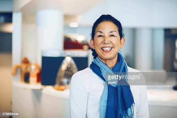 Japanische manager in einem coffee shop