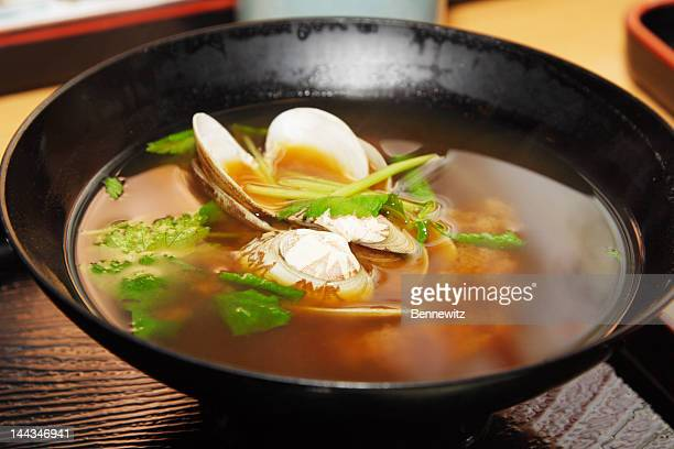 日本の味噌汁、シェル。