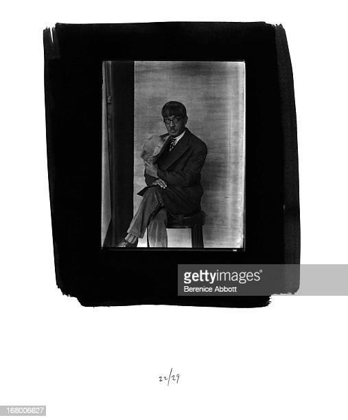 Japanese painter and printmaker Tsuguharu Foujita 1927