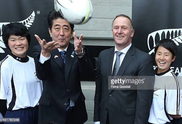 Japanese Prime Minister Shinzo Abe and New Zealand Prime Minister John Key at Villa Maria Winery meet with English students from a new edusport...