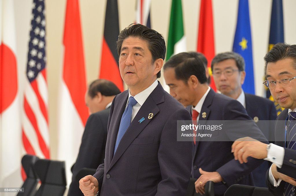 Japanese Prime Minister Shinzo Abe attends a meeting during the G7 leaders summit at the Shima Kanko Hotel in Ise, Japan on May 26, 2016.