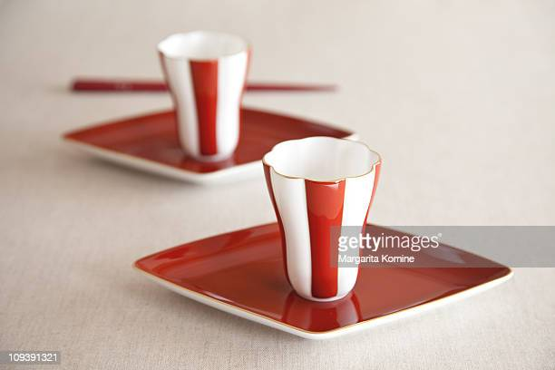 Japanese Red and White Setting