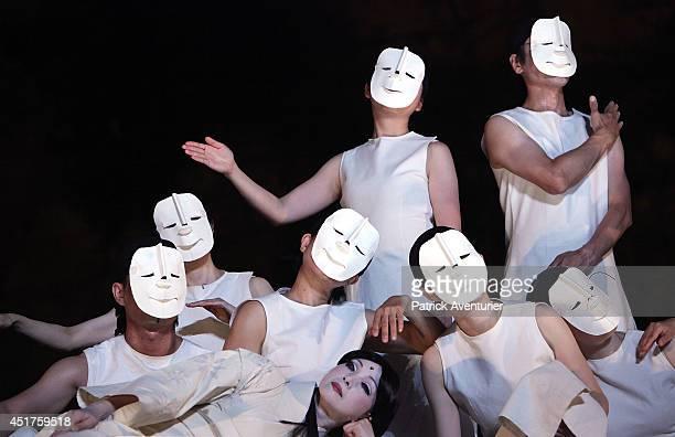 Japanese Shizuoka company performs a scene from 'MahabharataNalacharitam' directed by Japanese Satoshi Miyagi at Carriere Boulbon on July 5 2014 in...