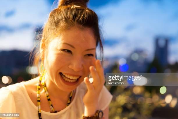 Japanische Frau bekommen emotionale