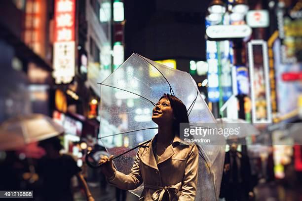 日本の女性屋外でレイン