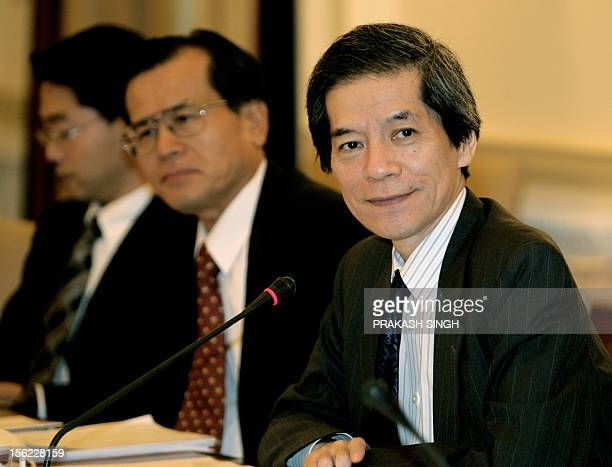 Japan's Deputy Foreign Minister Tsuneo Nishida pauses during a meeting with Indian Foreign Secretary Shiv Shankar Menon in New Delhi 13 November 2006...